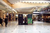London Golf Club markets itself in Canary Wharf mall