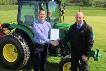 Award for accountant who switched to greenkeeping aged 42