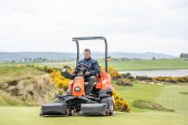 Should we lease golf course machinery?