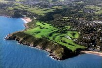 Golf clubs in Wales can reopen – but golfers must be 'local' to them