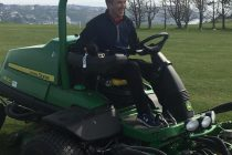 'Golf club of the decade' manager is now a lockdown greenkeeper